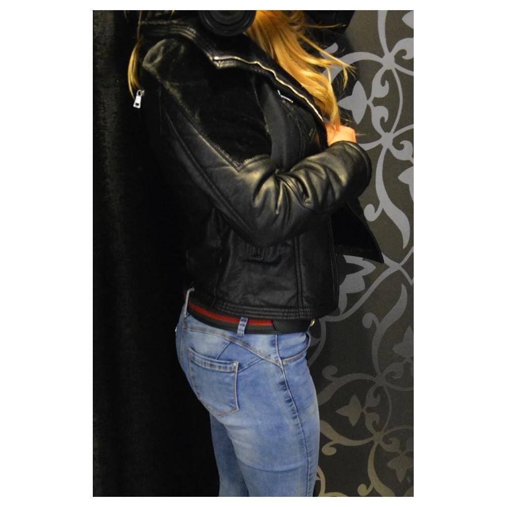 Fekete műbőr kabát  Fekete műbőr kabát df6e43e8e6