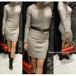 Bézs színű kötött ruha