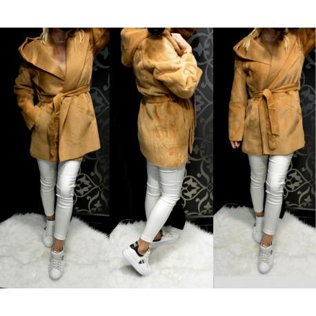 Szőrmés csau színű kabát