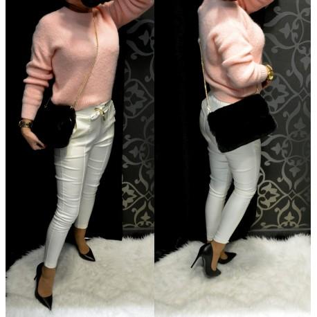 Rózsaszín kötött pulóver