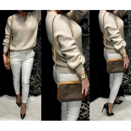 Bézs színű kötött pulóver