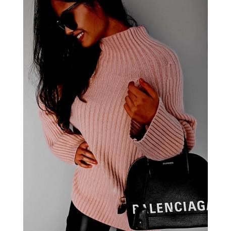 Törtfehér színű kötött pulóver