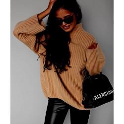 Barna színű kötött pulóver