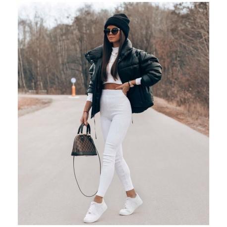 Fekete steppelt kabát