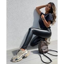 Fekete bőrhatású leggings